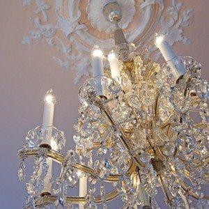 chandelier-234640_640