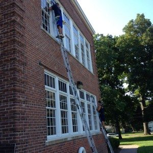Window cleaning with ladders